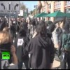 Video of Masked Oakland OWS Protesters Smashing Windows With Crowds Cheering