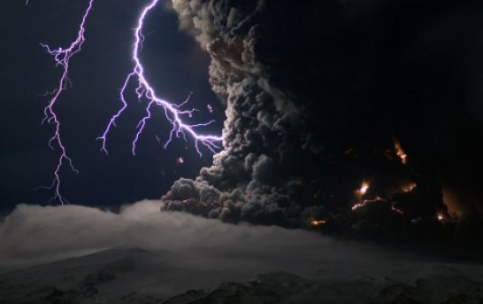 Lightning Over Erupting Iceland Volcano, Could It Be Zeus?