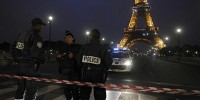 Another Empty Bomb Threat Evacuates Paris' Eiffel Tower