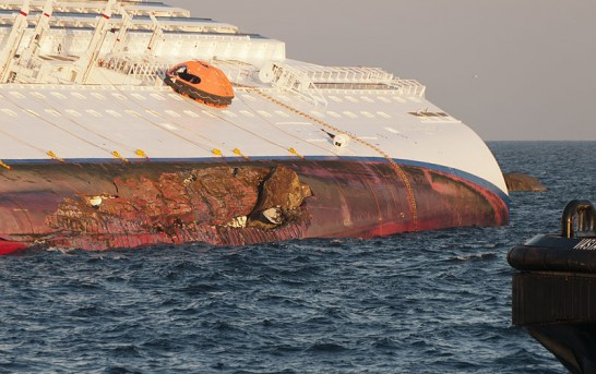 Titanic like nightmare as Italian cruise ship runs aground