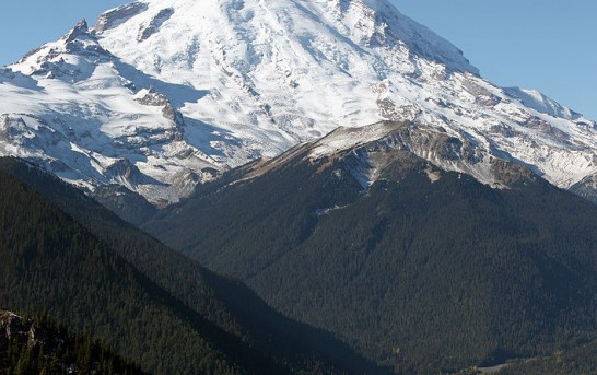 A man is running wild on Mount Rainier after killing a park ranger