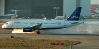 Jet Blue captain gets locked out of cabin and gets tackled by passengers after bomb rant