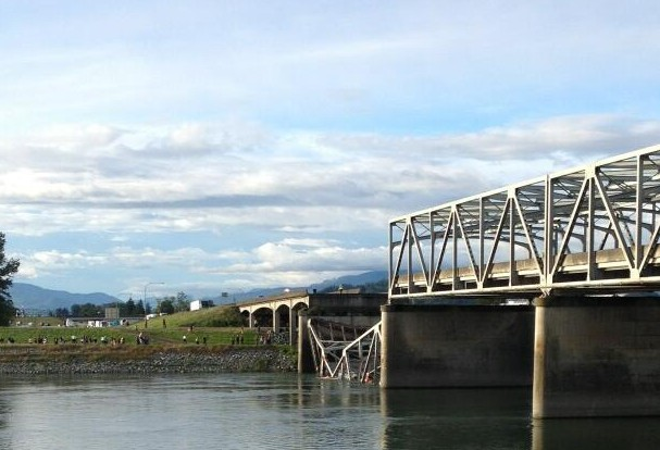 "Photo Credit - <a href=""https://twitter.com/Gina_SVH"">Gina Cole - Reporter for the Skagit Valley Herald</a>"