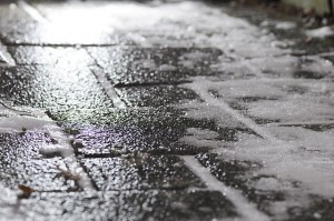 640px-Black_ice_on_footway
